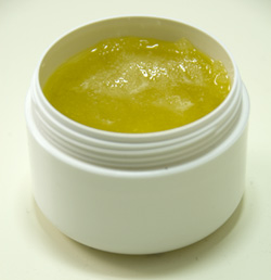 olive-honey-scrub